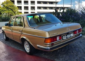 1984 MB 230 E  RHD   46262 Kms  (28,914 Mls)  from new  For Sale