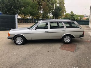 Picture of 1984 Mercedes 200 T anno