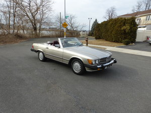 1987 Mercedes 560SL Two Tops Low Mileage - For Sale