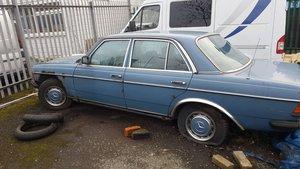 1980s mercedes 240 diesel, auto.....BARN FIND