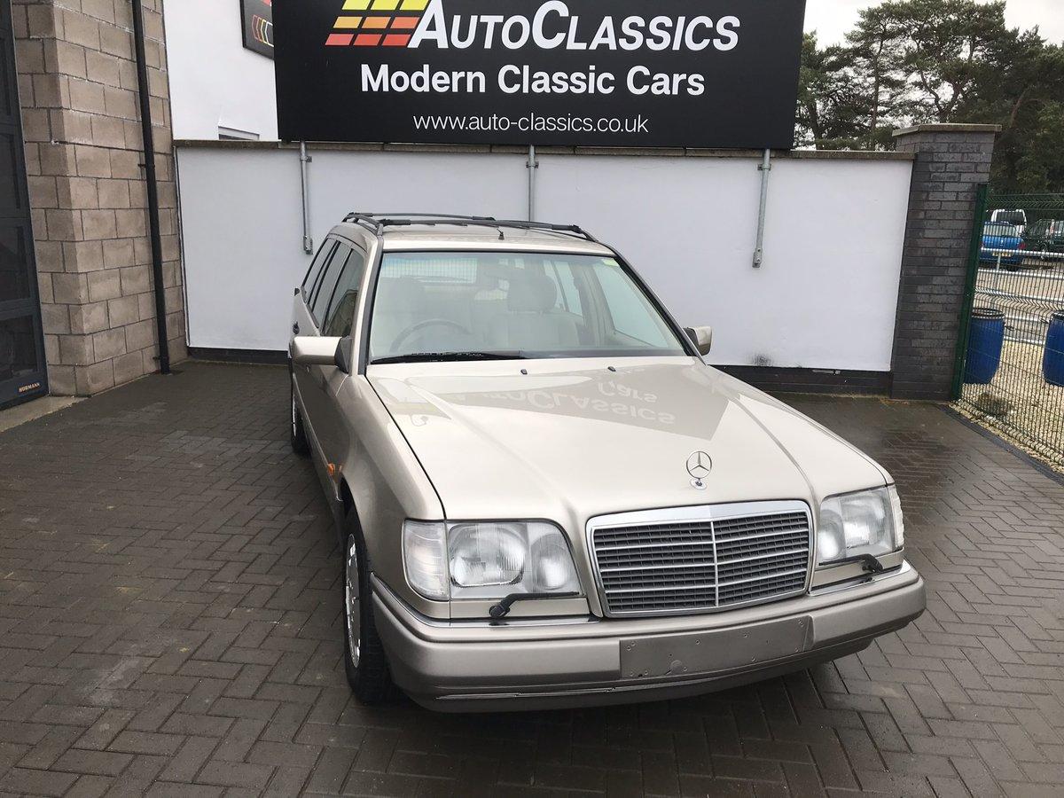 1994 Mercedes E320i Estate 124 For Sale (picture 1 of 6)