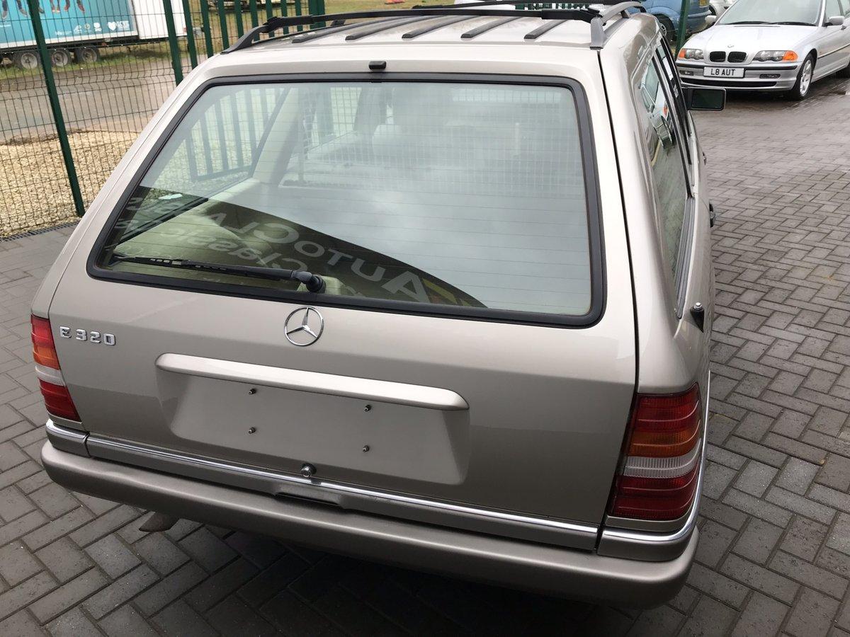 1994 Mercedes E320i Estate 124 For Sale (picture 3 of 6)