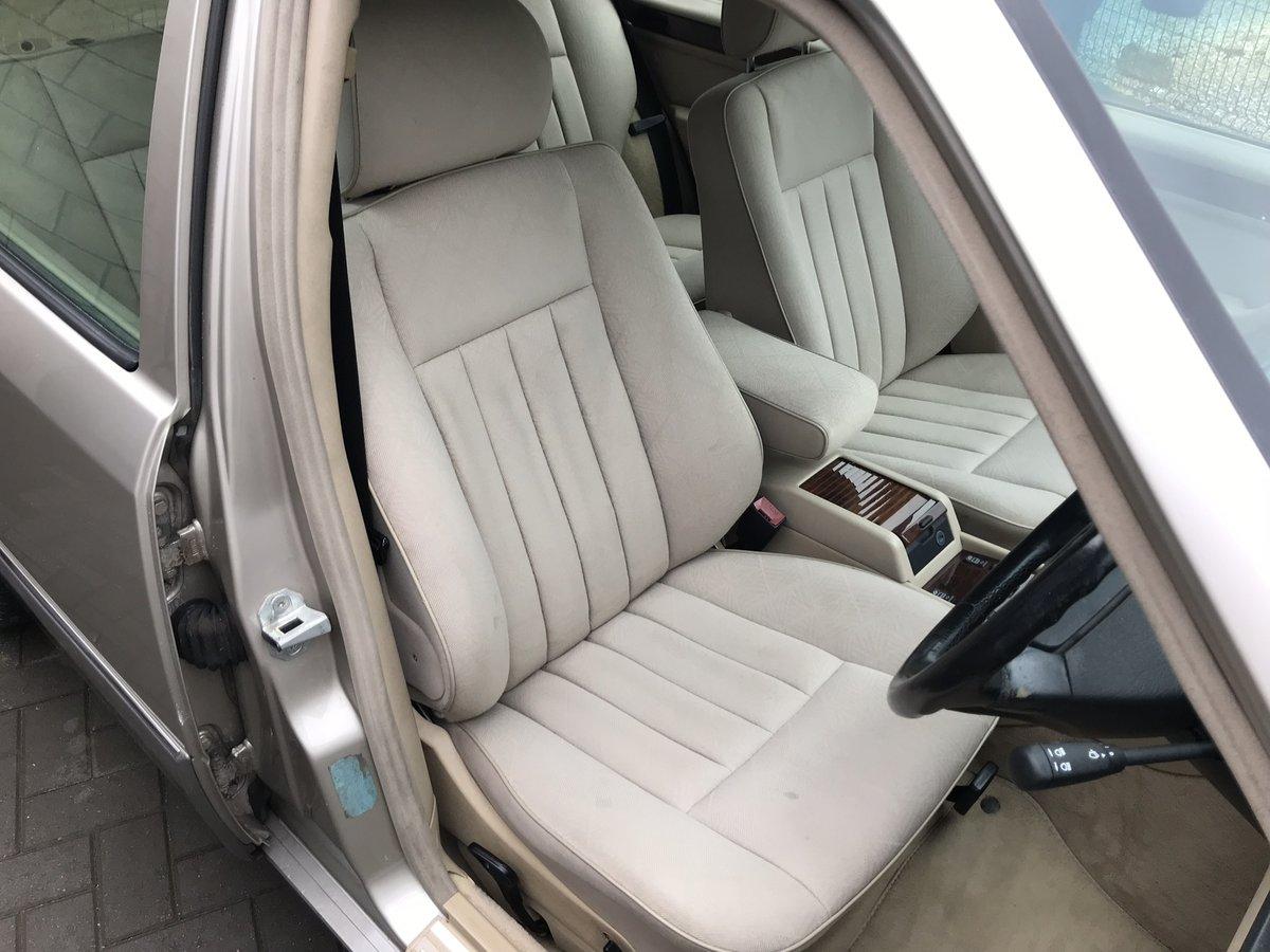 1994 Mercedes E320i Estate 124 For Sale (picture 4 of 6)
