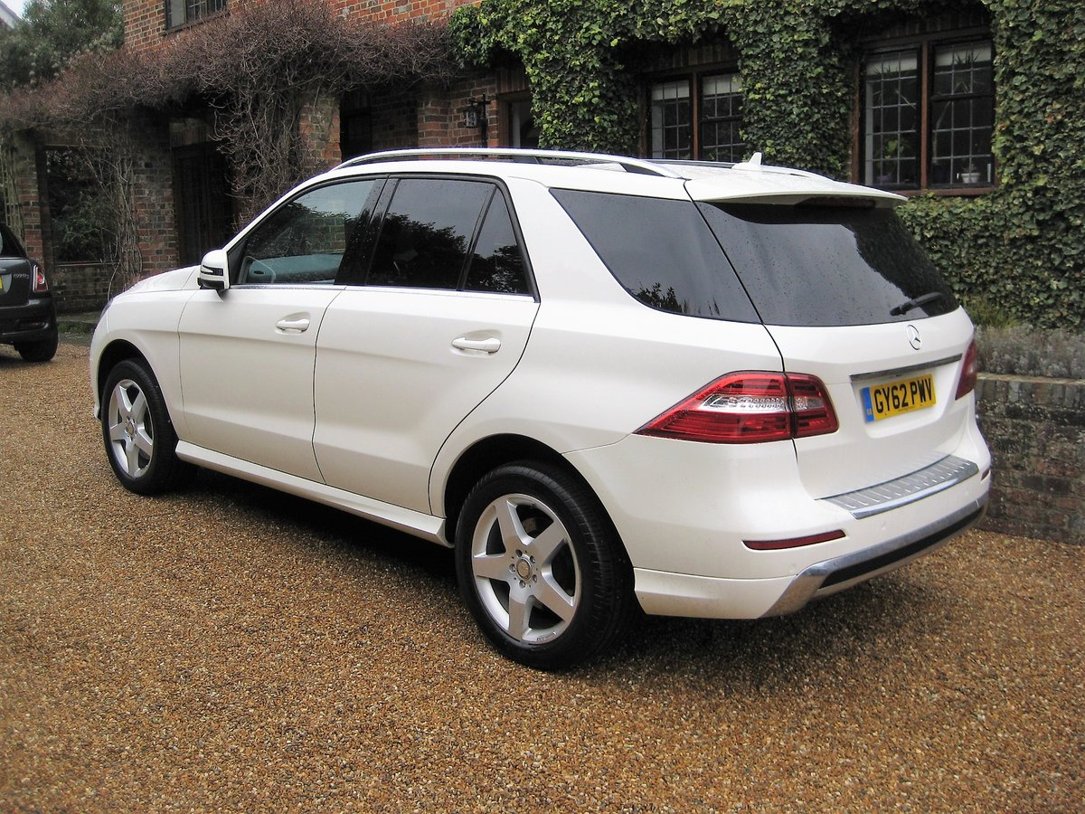 2012 Mercedes Benz ML350 Bluetec Sport Pan Roof + Full Leather For Sale (picture 2 of 6)