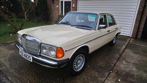 1978 Rare 250 saloon (w123 series)