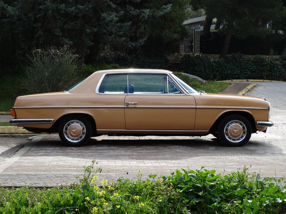 1973 Mercedes-Benz 250 C 2.8, Byzantine Gold Metallic For Sale (picture 2 of 6)