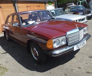 1981 Mercedes Benz W123 230E saloon For Sale
