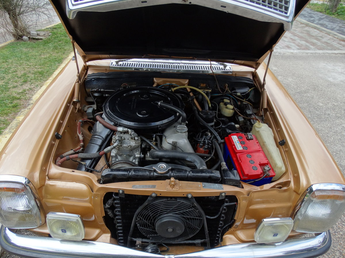 1973 Mercedes-Benz 250 C 2.8, Byzantine Gold Metallic For Sale (picture 6 of 6)
