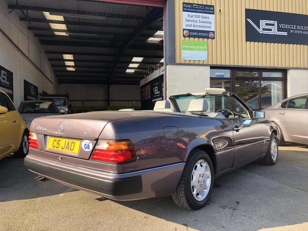 1993 Mercedes 320CE Sportline Cabriolet W124 Model For Sale (picture 2 of 6)