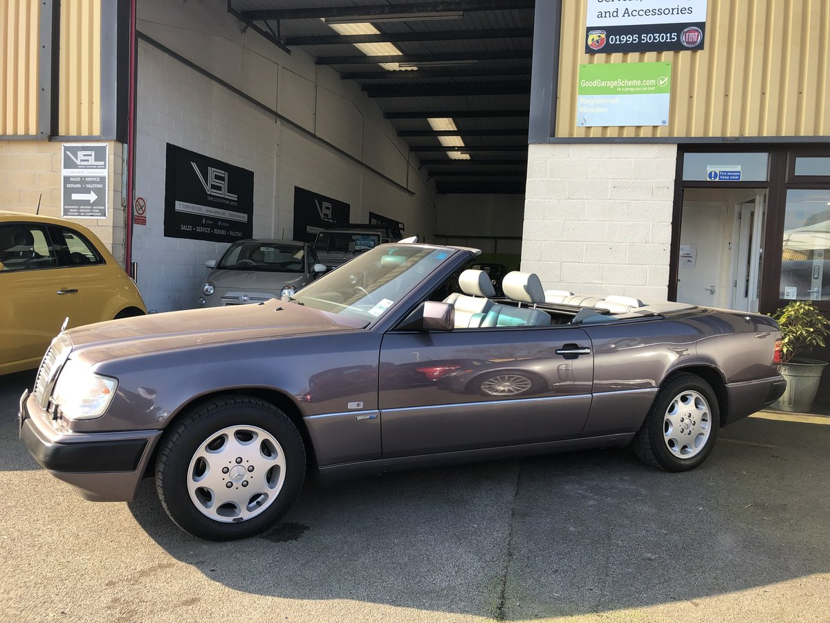 1993 Mercedes 320CE Sportline Cabriolet W124 Model For Sale (picture 6 of 6)