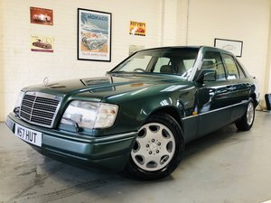1994 MERCEDES-BENZ W124 E280 AUTO - SUPER  SOLD