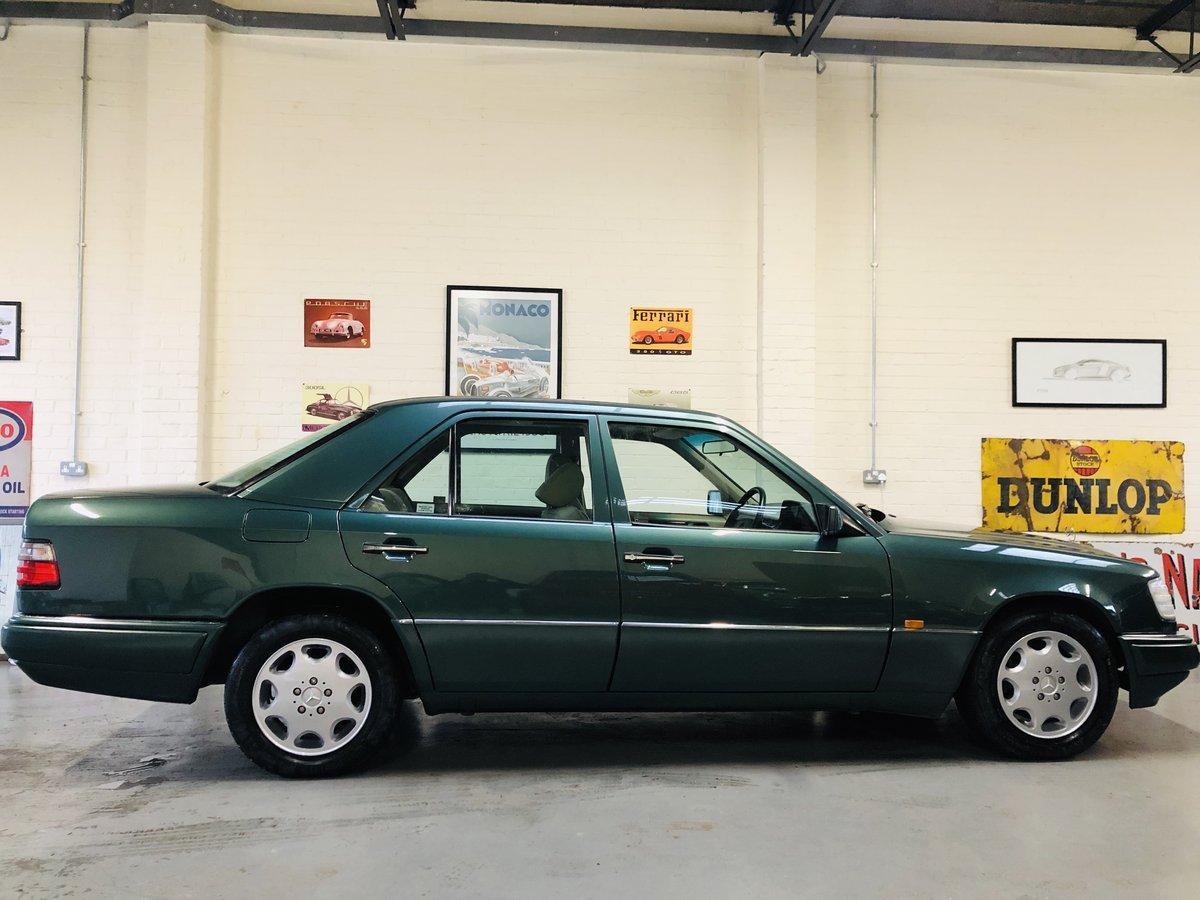 1994 MERCEDES-BENZ W124 E280 AUTO - SUPER  SOLD (picture 4 of 6)