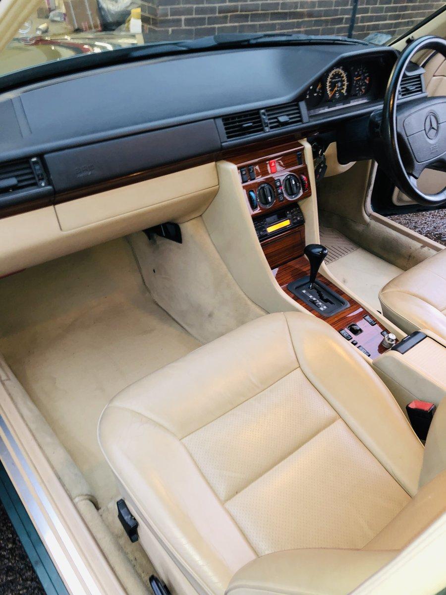 1994 MERCEDES-BENZ W124 E280 AUTO - SUPER  SOLD (picture 5 of 6)