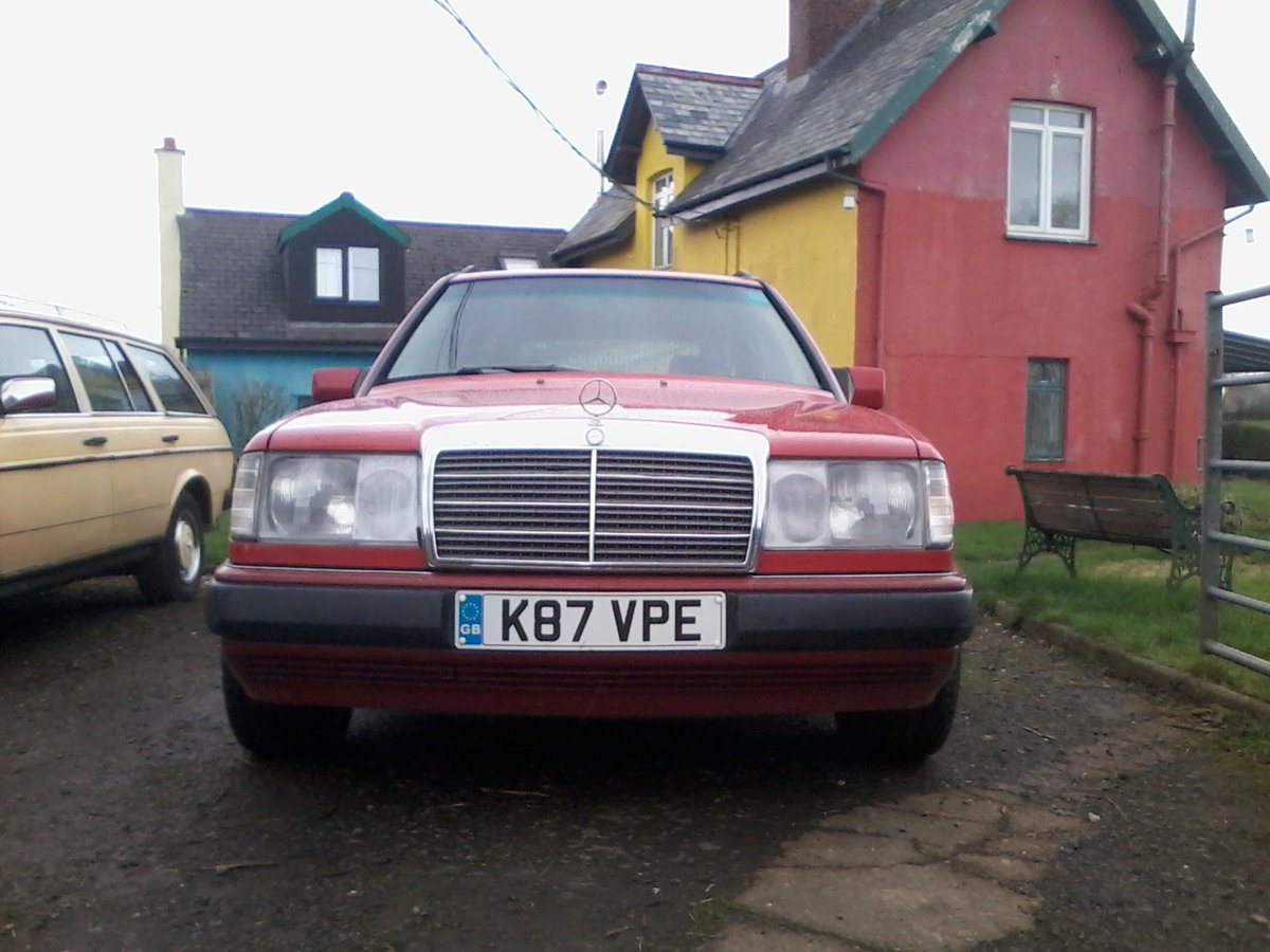 1992 mercedes w124 230 te estate a great car For Sale (picture 2 of 6)