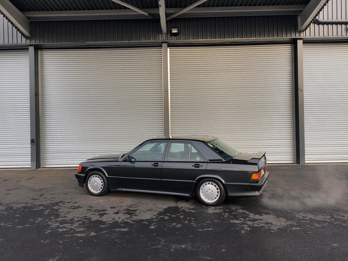 1991 Mercedes 190E 2.5 For Sale (picture 4 of 5)