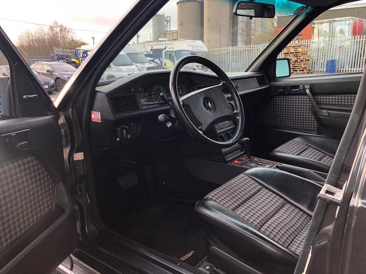 1991 Mercedes 190E 2.5 For Sale (picture 5 of 5)