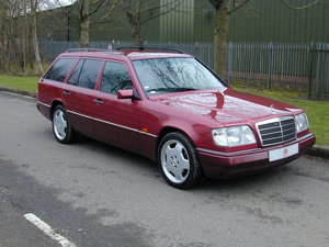 1993 MERCEDES BENZ W124 E320 ESTATE 7 SEAT AUTO RHD  EXCEPTIONAL! For Sale