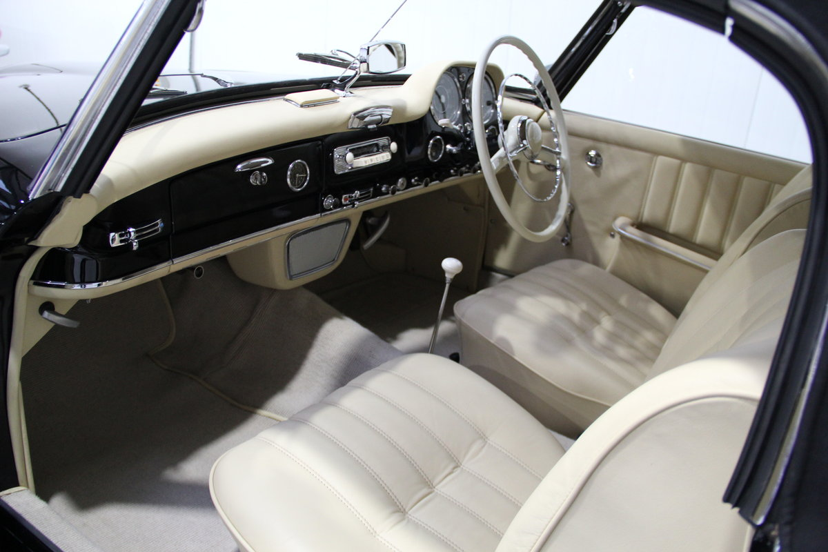 1957 Mercedes-Benz 190 SL RHD Restored For Sale (picture 4 of 6)