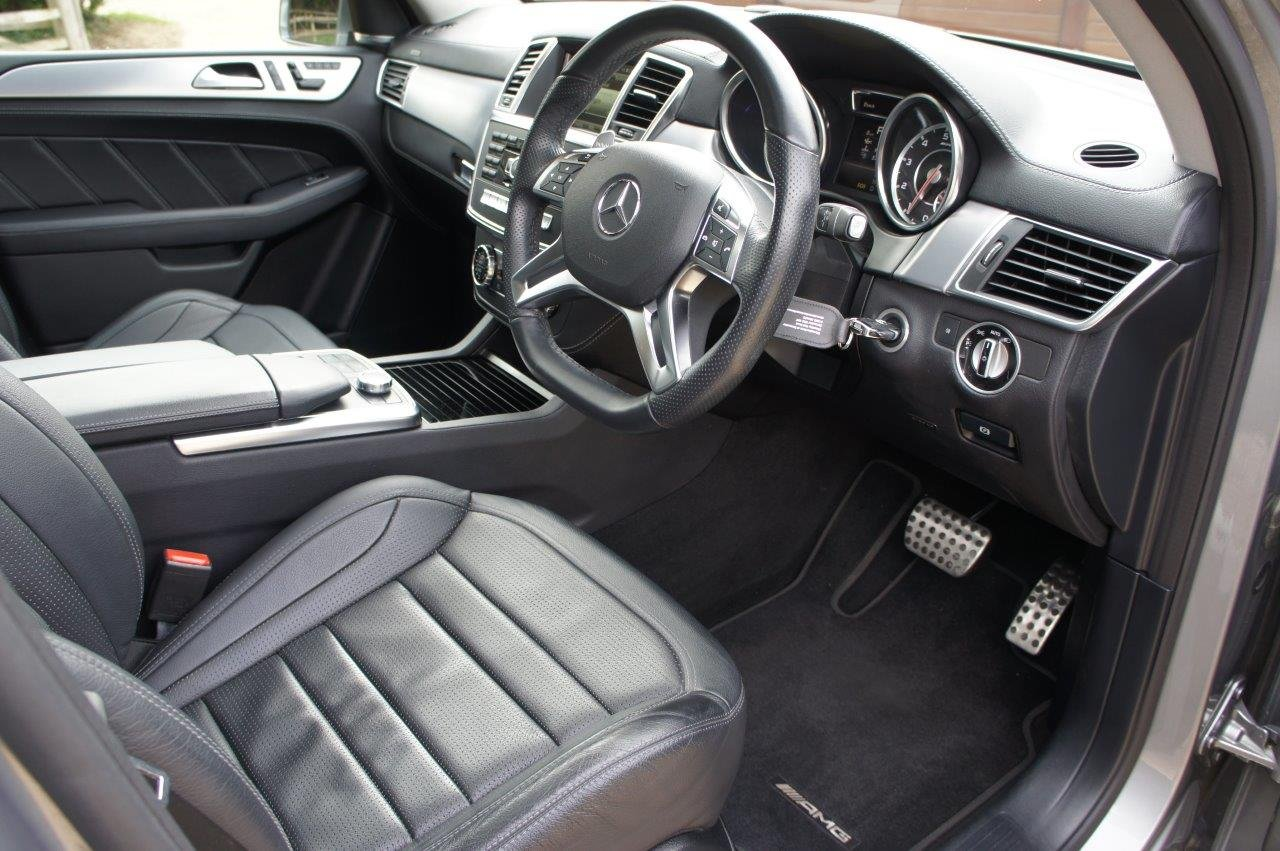 2014 Mercedes ML63 AMG - 31k, FMBSH, rare Palladium Silver For Sale (picture 3 of 6)