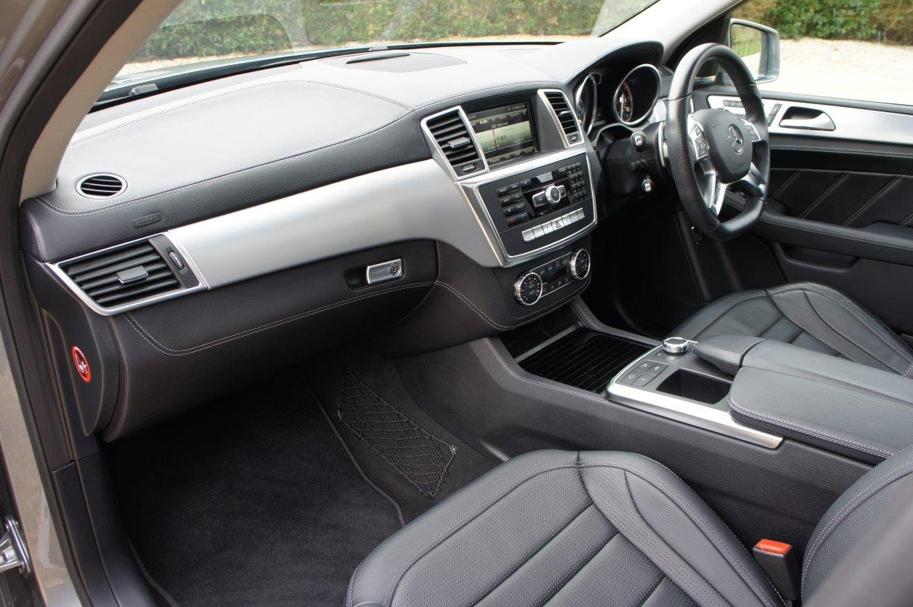 2014 Mercedes ML63 AMG - 31k, FMBSH, rare Palladium Silver For Sale (picture 4 of 6)