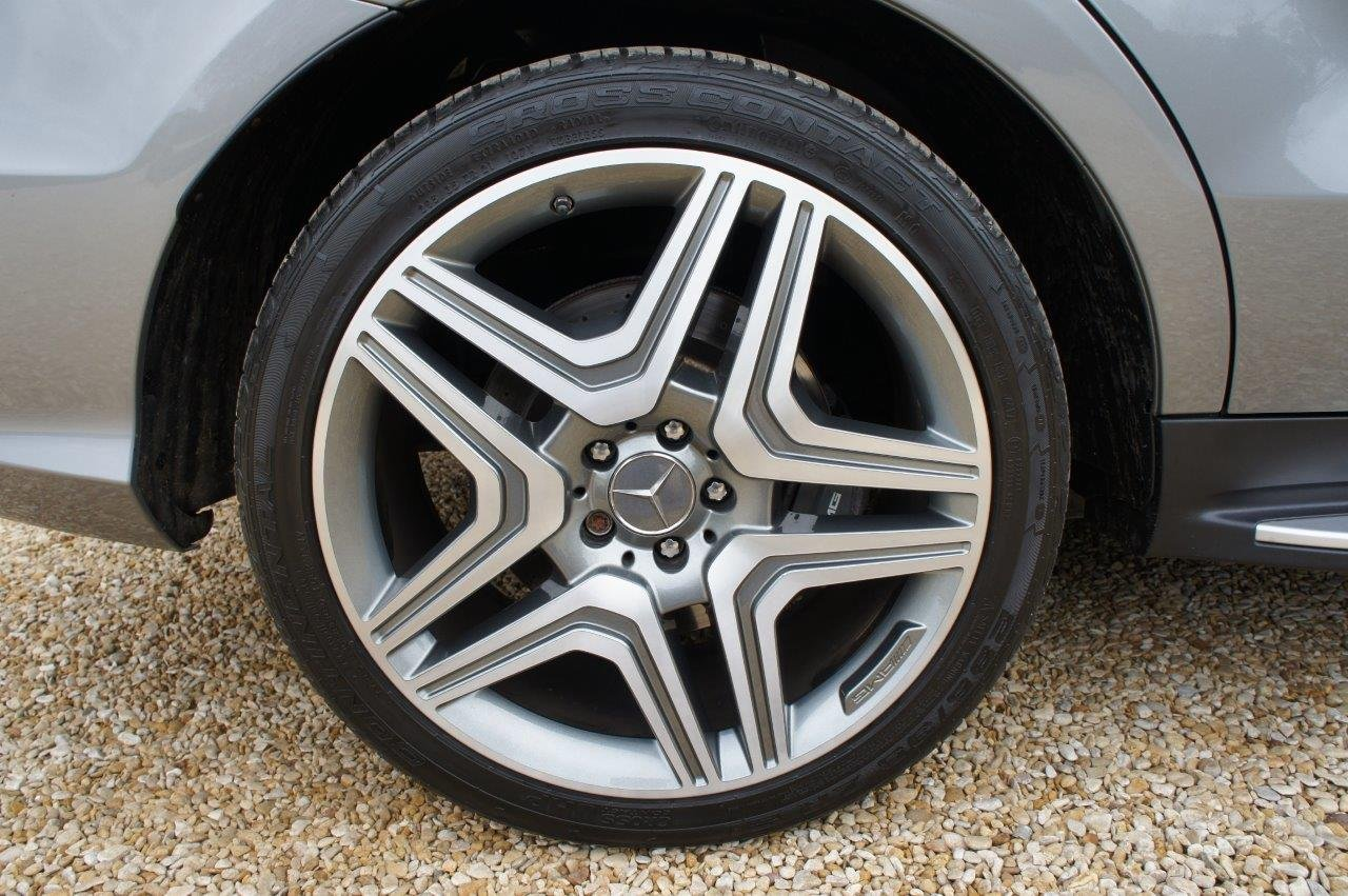 2014 Mercedes ML63 AMG - 31k, FMBSH, rare Palladium Silver For Sale (picture 5 of 6)