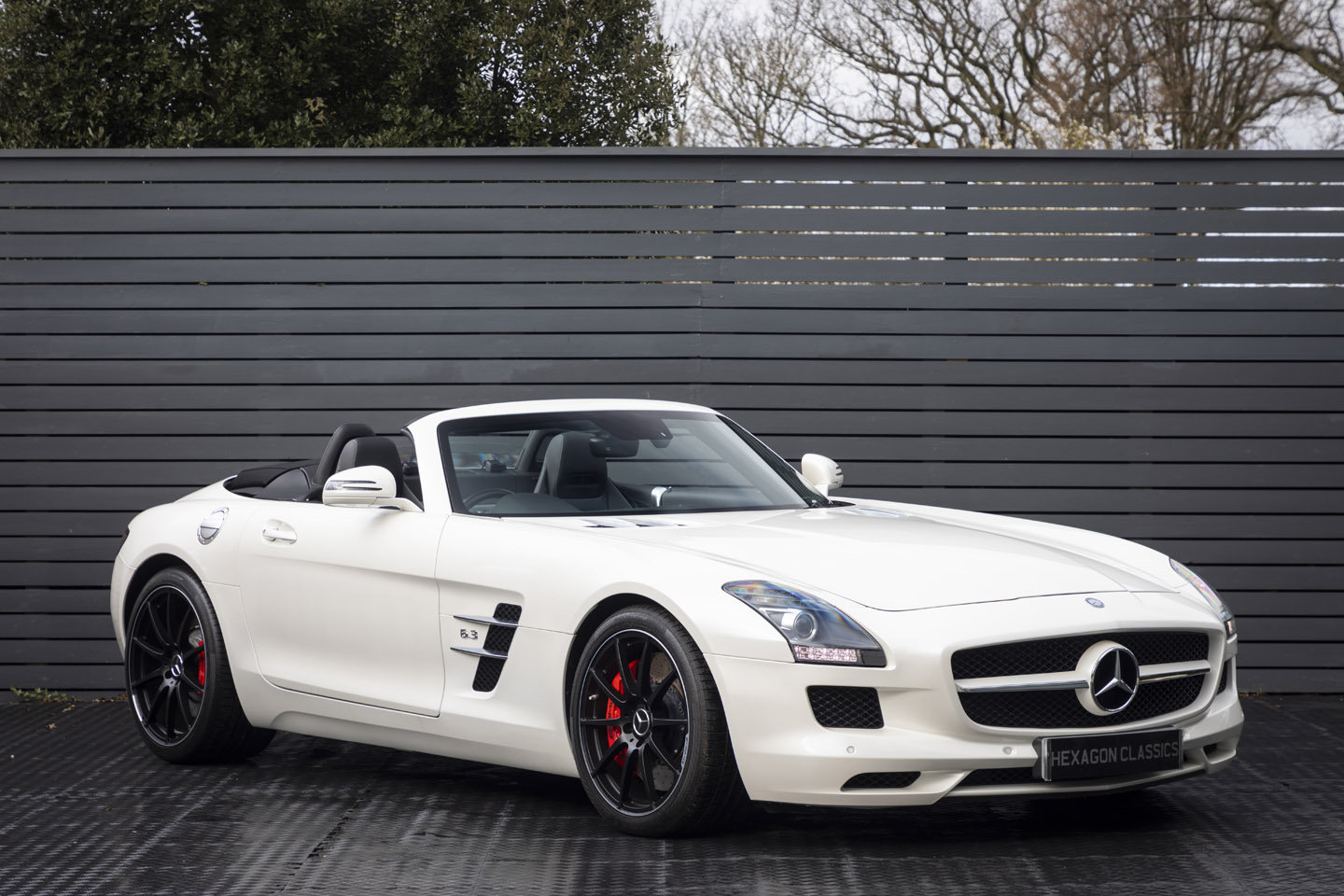 2013 MERCEDES-BENZ SLS AMG ROADSTER ONLY 8000 MILES For Sale (picture 1 of 6)