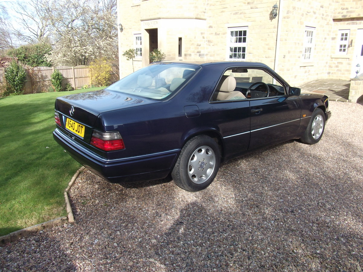 1995 MINT E220 COUPE -W124 SERIES. PILLARLESS COUPE. For Sale (picture 2 of 6)