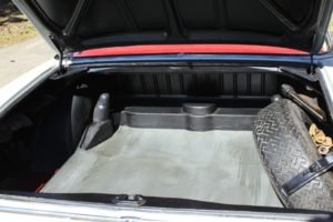 1963 Mercedes 220 SE Coupe = Rare 4 speed Ivory $49.9k For Sale (picture 5 of 6)