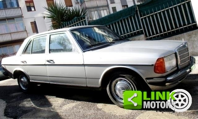 Mercedes (W123) Classe 200 (1981) CONSERVATO For Sale (picture 3 of 6)