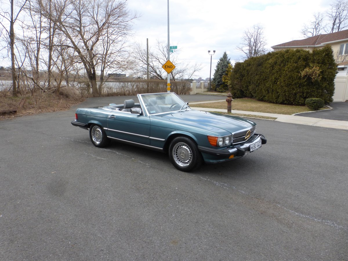 1986 Mercedes 560SL Low Miles Two Tops Good Mechanics - For Sale (picture 1 of 6)