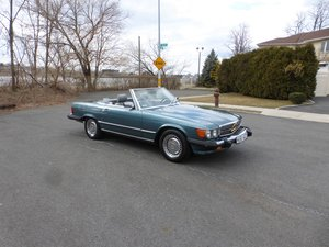 1986 Mercedes 560SL Low Miles Two Tops Good Mechanics - For Sale
