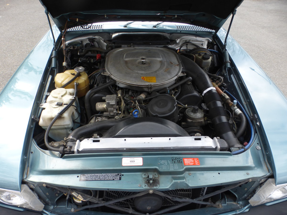 1986 Mercedes 560SL Low Miles Two Tops Good Mechanics - For Sale (picture 6 of 6)