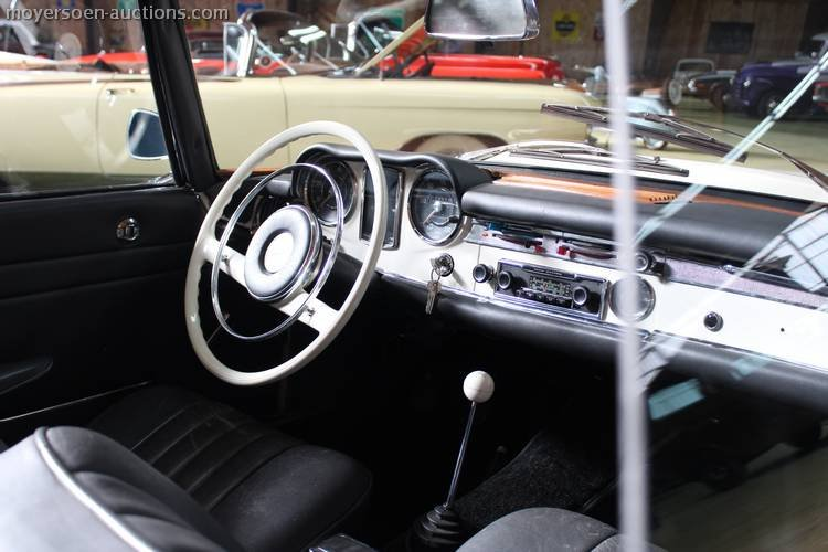 1966 MERCEDES-BENZ 230SL Pagode For Sale by Auction (picture 4 of 6)