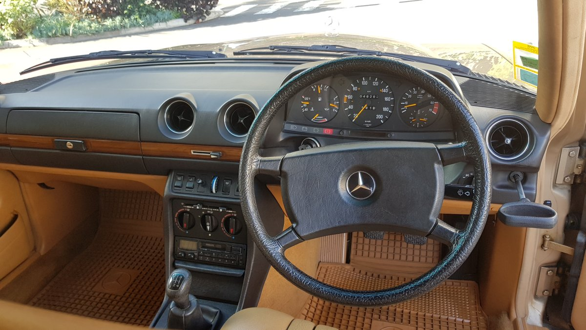 1984 MB 230 E  RHD  46262 Km (28,914 Mls)  SOLD (picture 5 of 6)