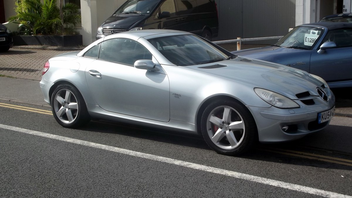 2005 MY V6 SLK 350 AUTO TIPTRONIC SPORTS CONVERTIBLE SOLD (picture 1 of 4)