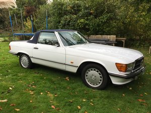 500 SL R107, 1988, superb condition For Sale