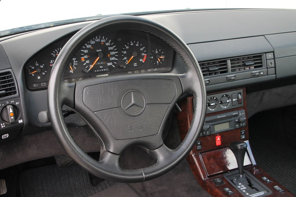 1993 MB 300 SL - 24 / 21000 km / 2 owners / like a new car For Sale (picture 3 of 6)