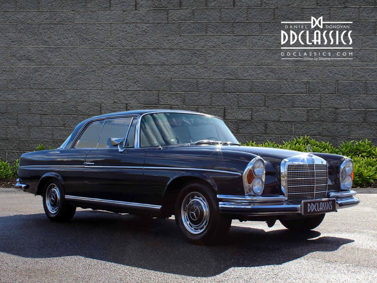 1970 Mercedes Benz 280SE 3.5 Coupe For Sale in London For Sale (picture 2 of 6)