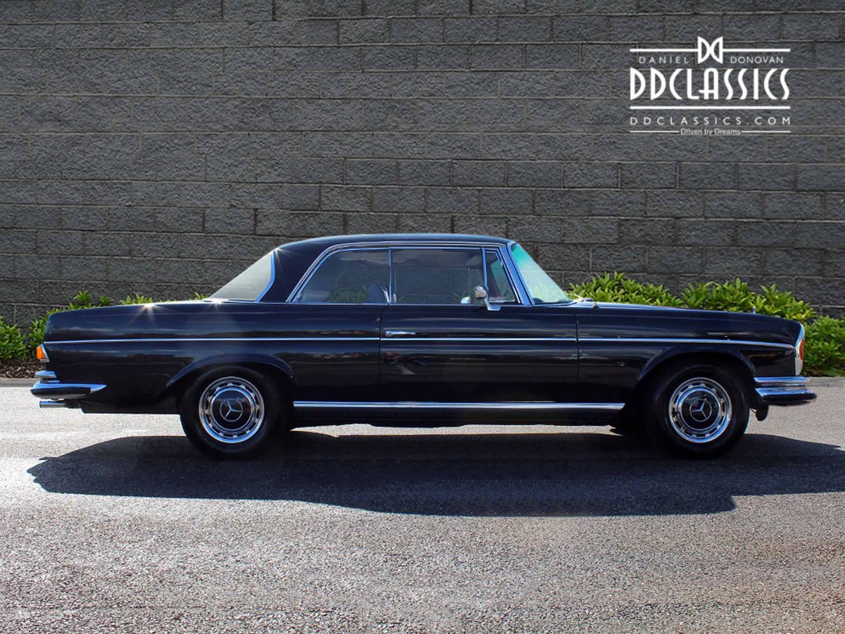1970 Mercedes Benz 280SE 3.5 Coupe For Sale in London For Sale (picture 3 of 6)