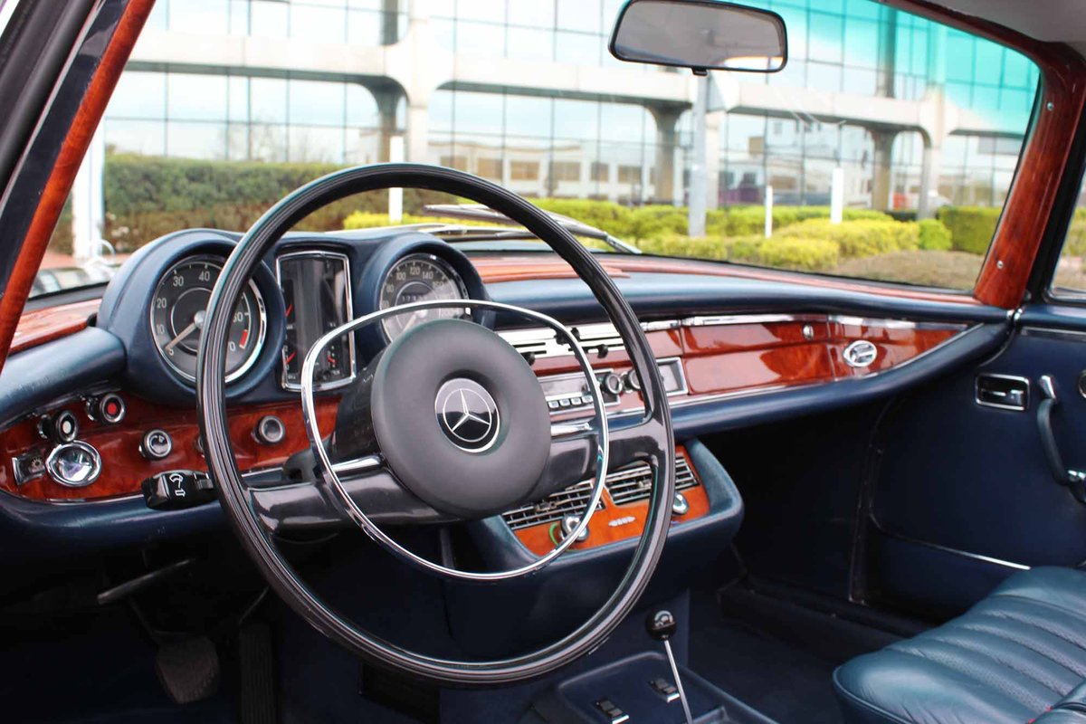 1970 Mercedes Benz 280SE 3.5 Coupe For Sale in London For Sale (picture 6 of 6)