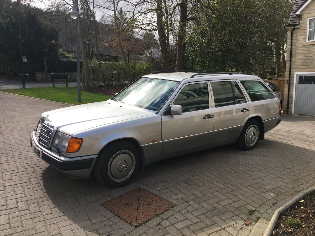 1993 W124 300D Estate One Private Owner Plus Dem SOLD (picture 2 of 6)