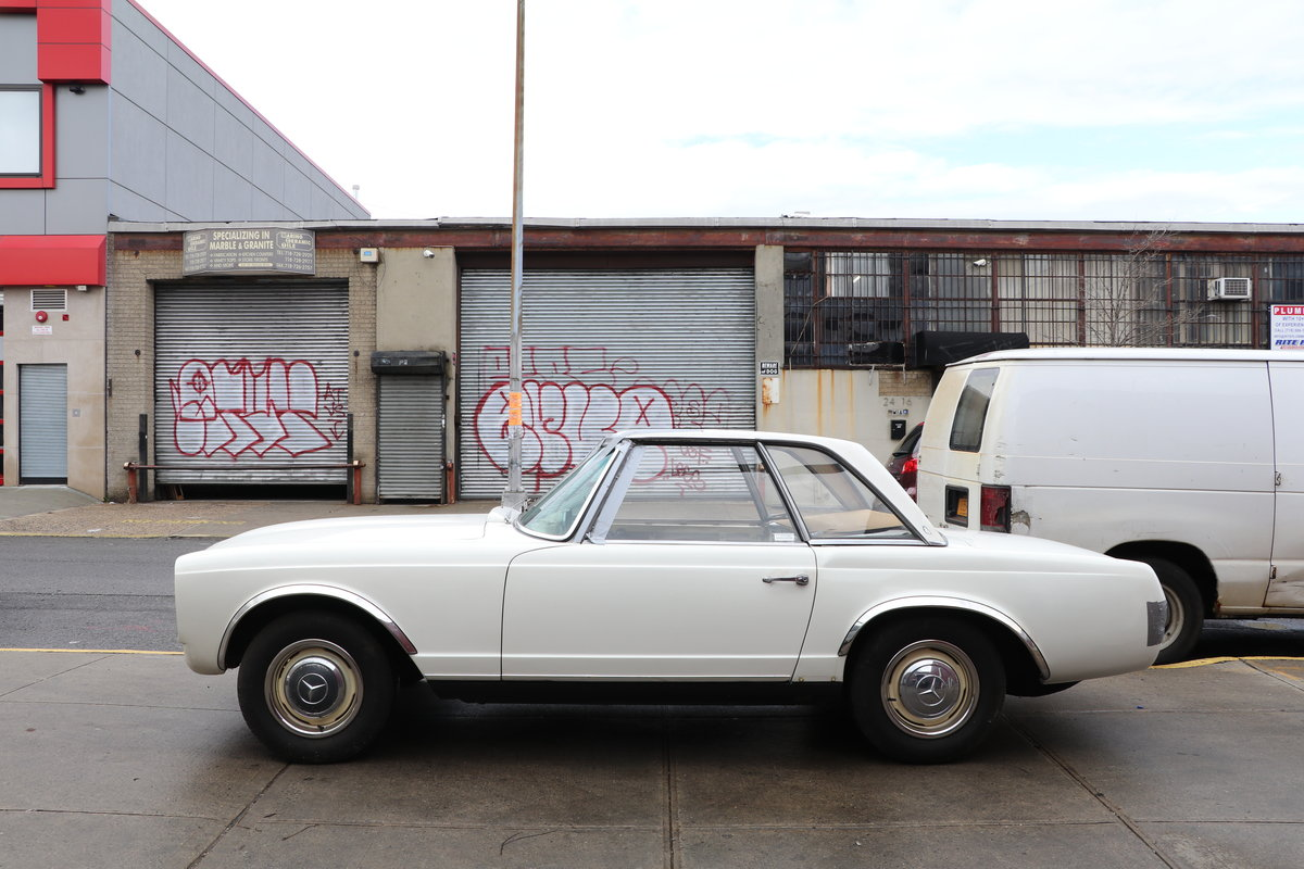 Right-Hand-Drive 1964 Mercedes 230SL  # 22737  For Sale (picture 2 of 5)