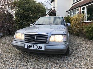 1995 E200 W124 Mercedes saloon For Sale