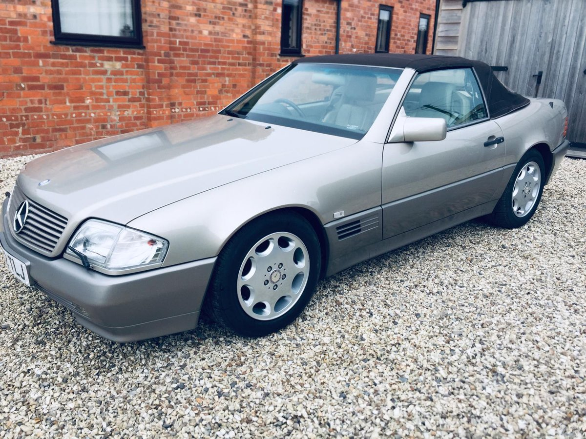 1992 Mercedes 300sl R129 Smoke Silver superb car  For Sale (picture 3 of 6)