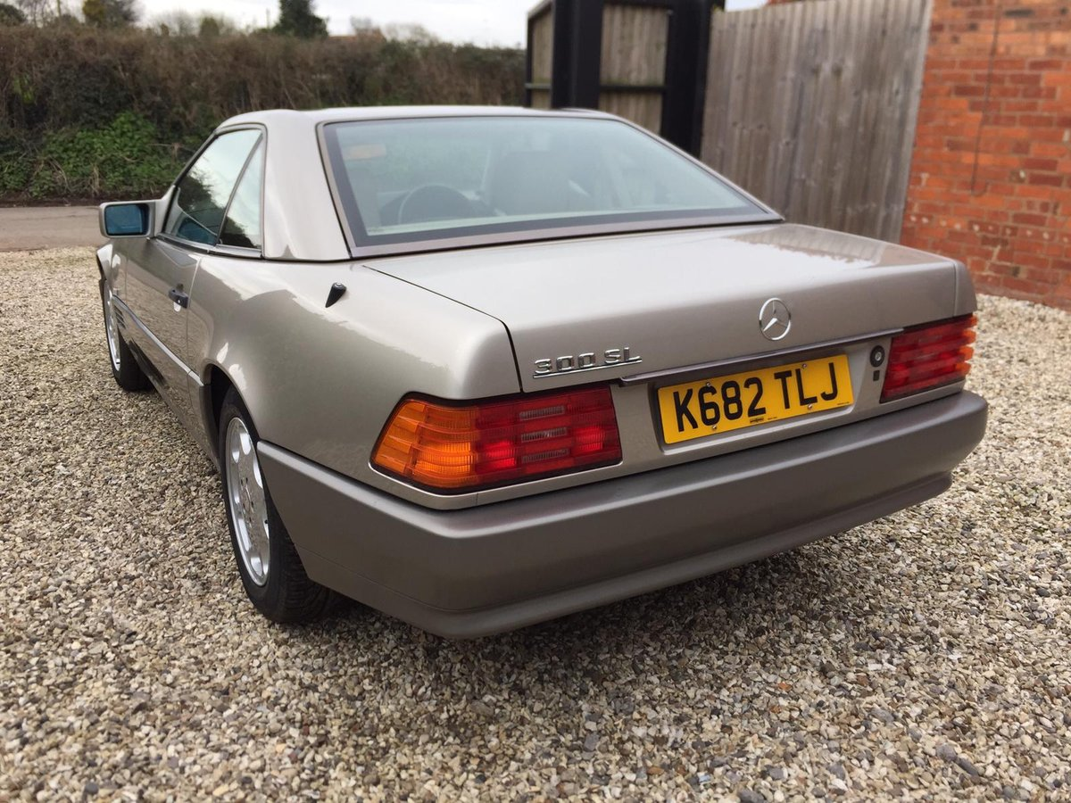 1992 Mercedes 300sl R129 Smoke Silver superb car  For Sale (picture 5 of 6)