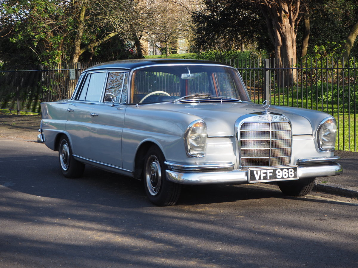 1961 Mercedes 220SEb sedan very good ready to enjoy SOLD (picture 1 of 6)