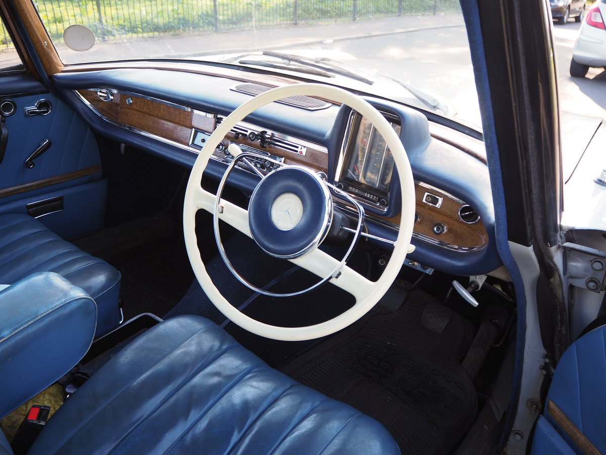 1961 Mercedes 220SEb sedan very good ready to enjoy For Sale (picture 4 of 6)