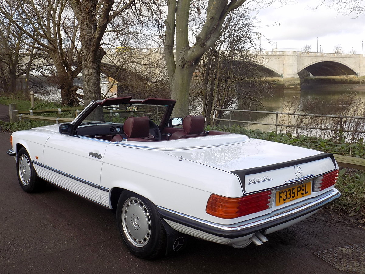 1989 MERCEDES BENZ 300SL (R107 Series) SPORTS CONVERTIBLE SOLD (picture 2 of 6)