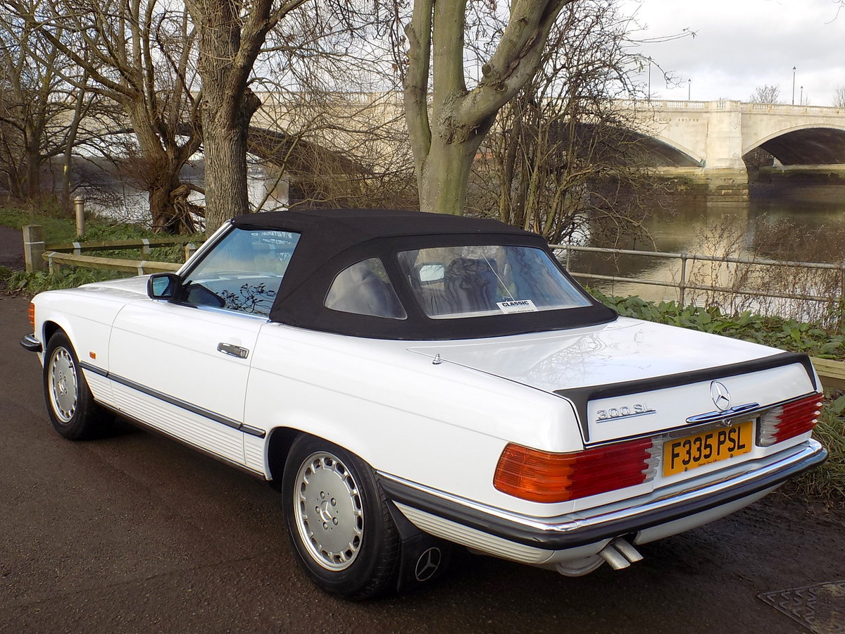 1989 MERCEDES BENZ 300SL (R107 Series) SPORTS CONVERTIBLE SOLD (picture 5 of 6)