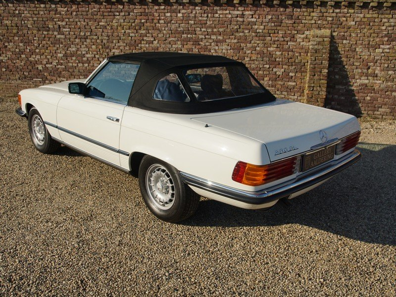 1985 Mercedes Benz 280SL W107 manual 5-speed! only 111.968 km, Ge For Sale (picture 2 of 6)